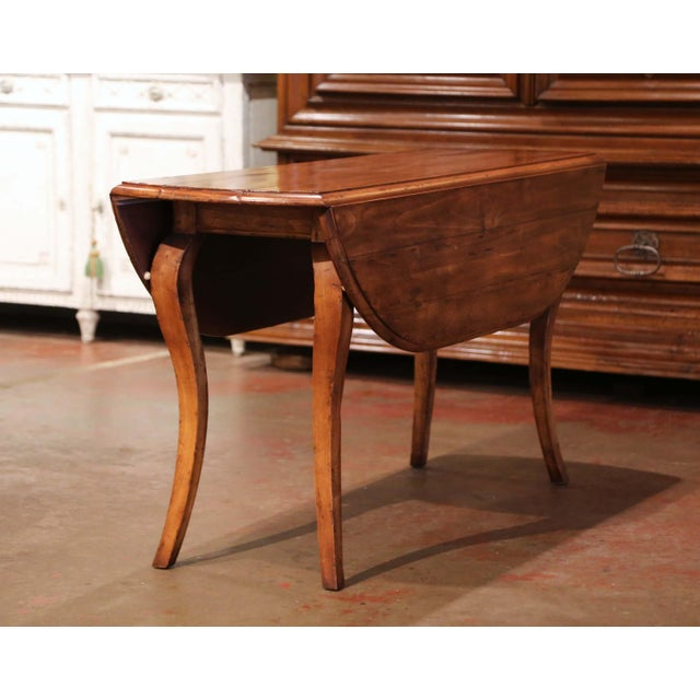 Wood Vintage French Louis XV Carved Walnut Drop Leaf Oval Console Table For Sale - Image 7 of 11
