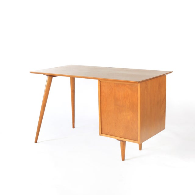 "Winchendon Furniture ""Planner Group"" 1960s Mid-Century Modern Paul McCobb Planner Group Winchendon Solid Maple Tanker Desk For Sale - Image 4 of 12"