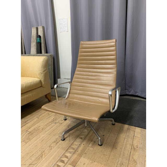 Herman Miller Mid-20th Century Eames Aluminum Group Lounge Chair For Sale - Image 4 of 12