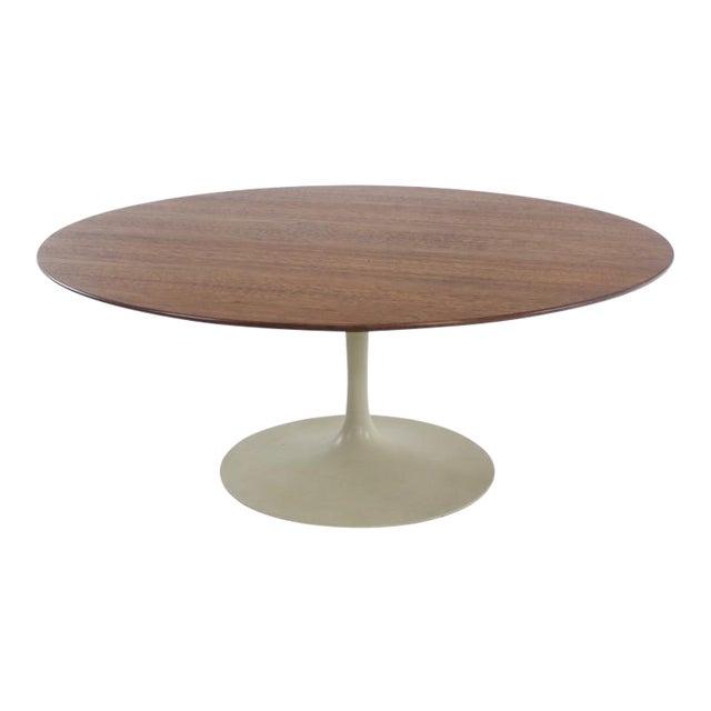 Mid-Century Modern Oval Walnut Top Coffee Table by Eero Saarinen for Knoll For Sale
