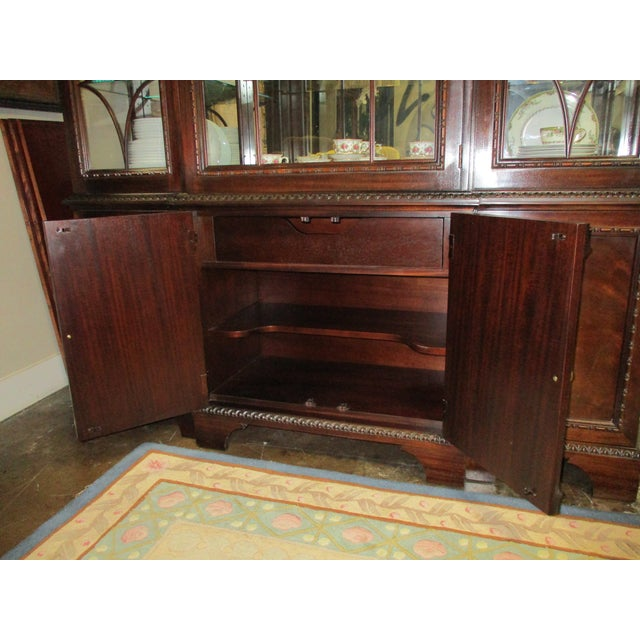 1990s Hickory White Breakfront Four-Door Inlaid Mahogany China Cabinet For Sale - Image 9 of 11