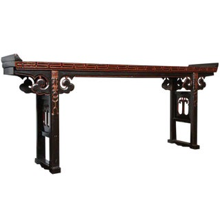 19th Century Chinese Long Black Lacquered Console Table with Gold Rubbed Details For Sale