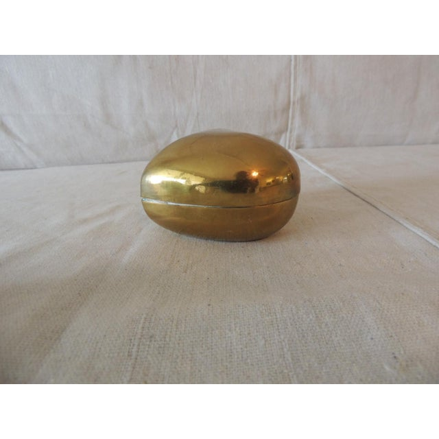 Vintage Gold Jewelry Box in the Shape of a Heart For Sale - Image 4 of 6
