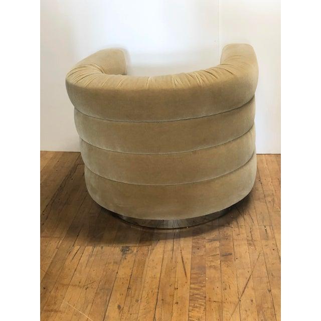 Milo Baughman Mid Century Lounge Swivel Chair by Milo Baughman For Sale - Image 4 of 7