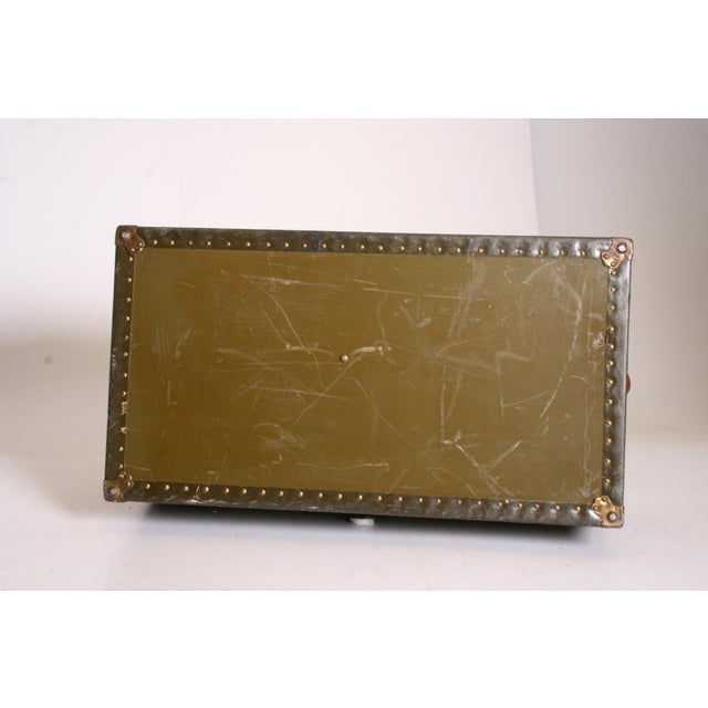 Vintage Industrial Green Military Foot Locker Trunk with Tray - Image 3 of 11