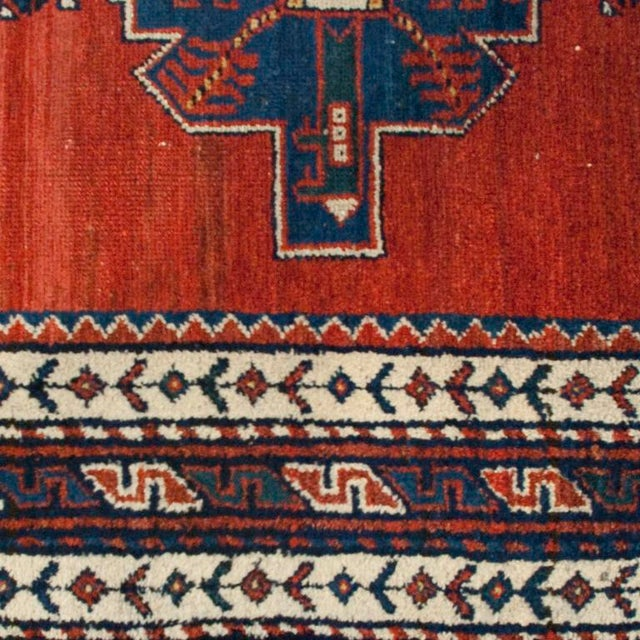 "Early 20th Century Lori Carpet Runner - 3'2"" x 9'3"" For Sale - Image 4 of 5"