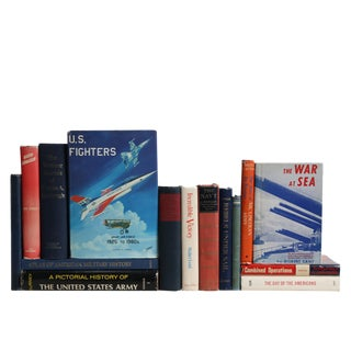 American Military Book Collection, S/15 For Sale