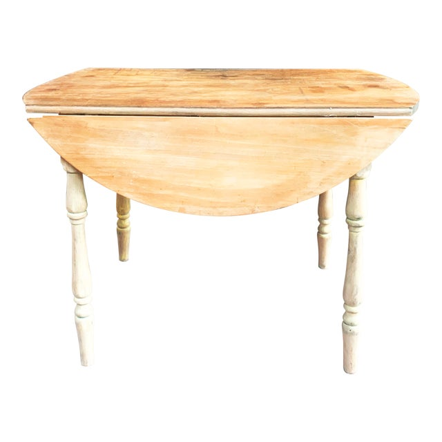 Early American Light Yellow Stained Pine Drop Leaf Dining Table For Sale