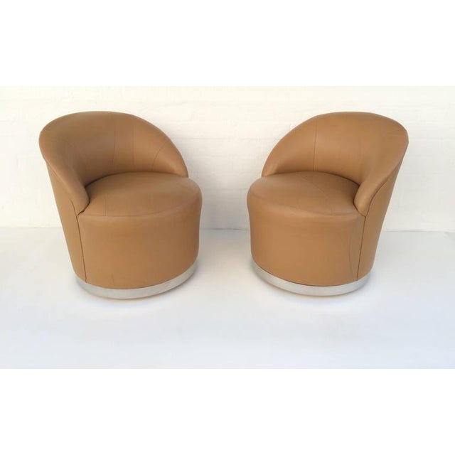J. Robert Scott Set of Four Leather and Chrome Swivel Chairs by J Robert Scott & Associates For Sale - Image 4 of 10