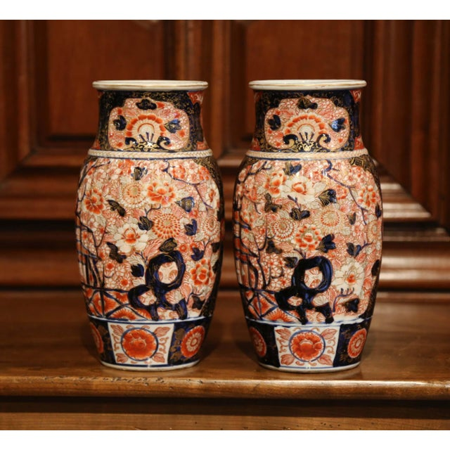 Late 19th Century Pair of 19th Century Chinese Porcelain Imari Vases With Floral Decor For Sale - Image 5 of 9