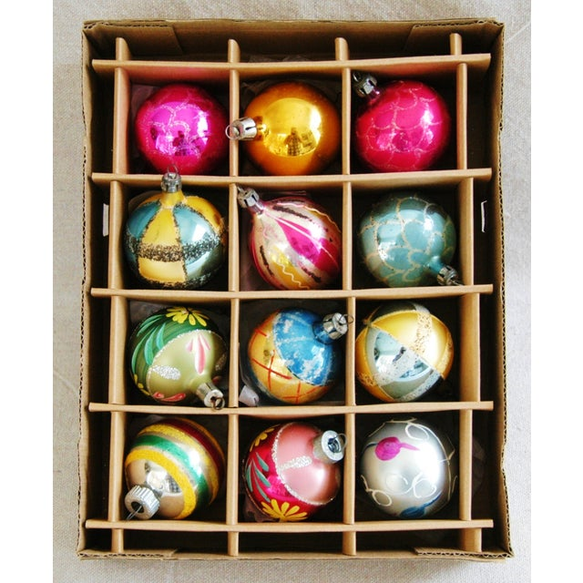 Mid-Century Modern 1950s Christmas Ornaments With Box - Set of 12 For Sale - Image 3 of 7