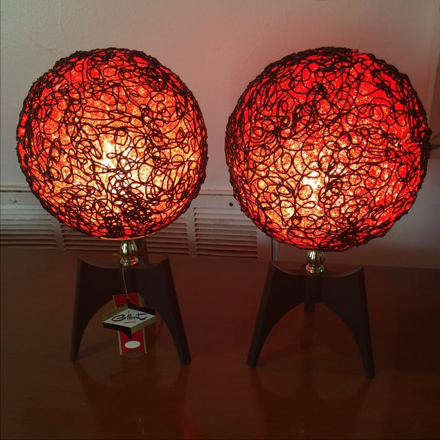 Original mid-century modern spaghettini lamp pair in mint condition. Original tags still intact. It seem never been used...