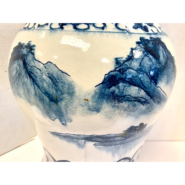 Chapman Manufacturing Company Chapman Blue and White Chinoiserie Porcelain Lamp With Finial For Sale - Image 4 of 10