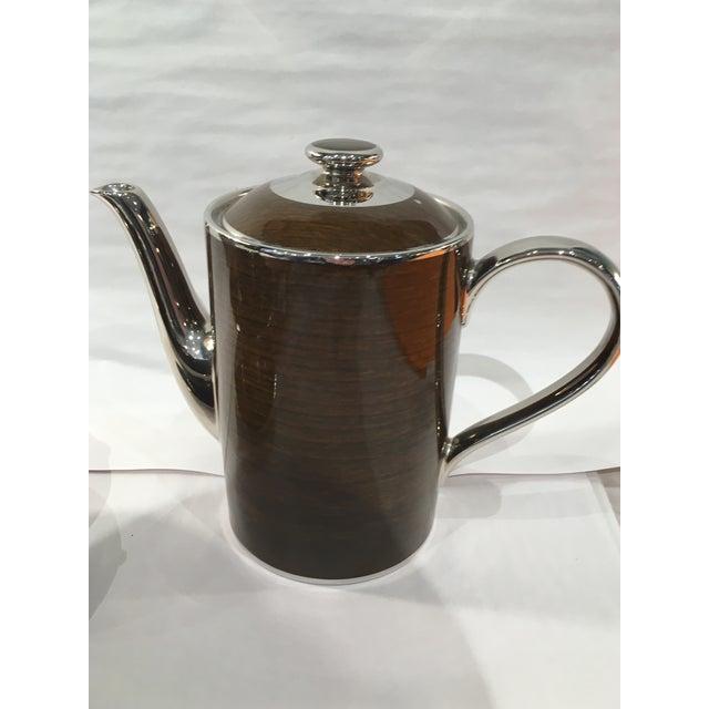 Marc Blackwell Mahogany Coffee Pot & 2 Coffee Cups - Image 3 of 7