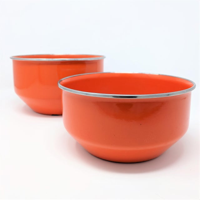 Red Vintage Red Enameled Metal Nesting Bowls -A Pair For Sale - Image 8 of 8