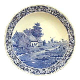 Early 20th Century Dutch Hand-Painted Delft Platter With Pastoral Scene For Sale