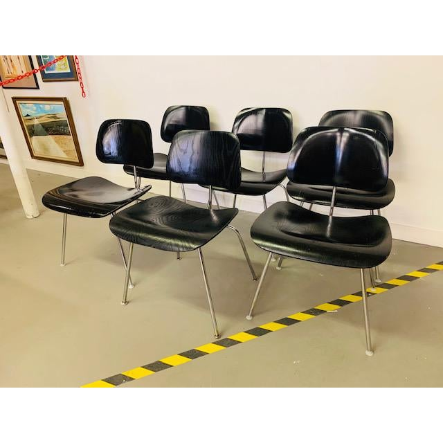 Mid-Century Modern 1960s Vintage Eames Dcm Chairs - Set of 6 For Sale - Image 3 of 12