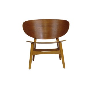 Hans Wegner FH-136 Teak Lounge Chair For Sale