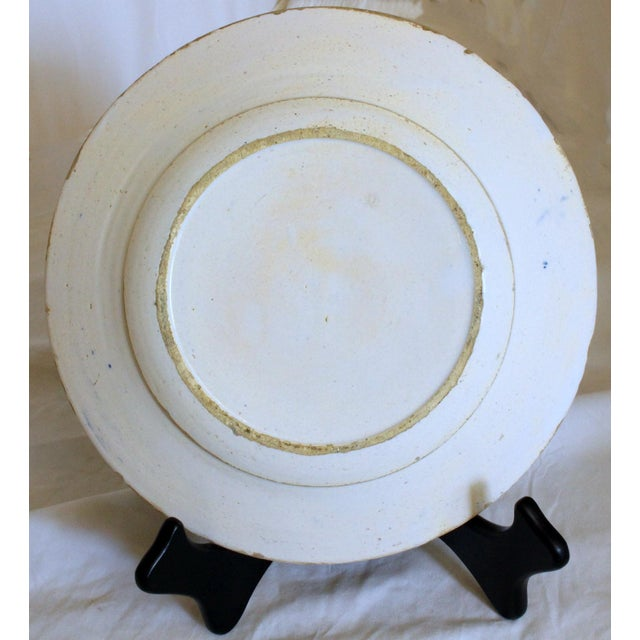 English Traditional 1820s Delft White & Blue Floral Un Soup Plate For Sale - Image 3 of 5