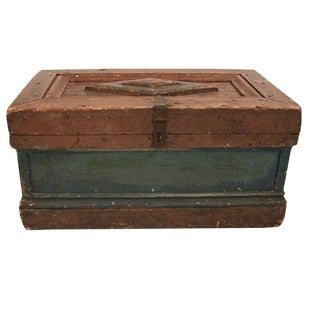 Antique Wood Trunk With Diamond Pattern Top For Sale