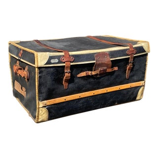 Early 20th Century Antique Au Depart French Trunk For Sale