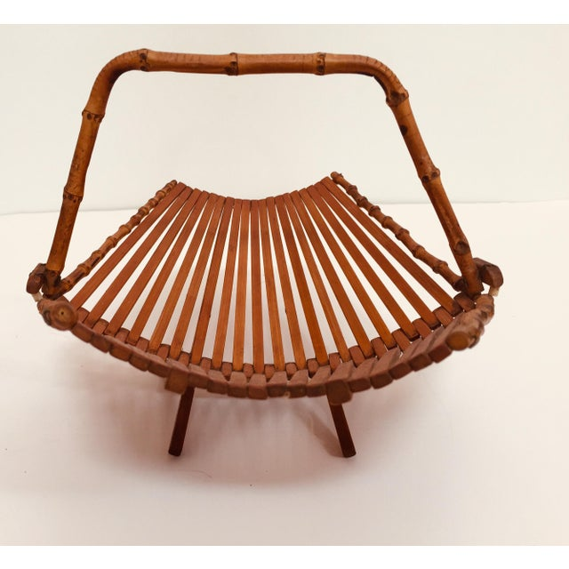 Mid-Century Japanese Folding Bamboo Basket With Handle For Sale - Image 4 of 12