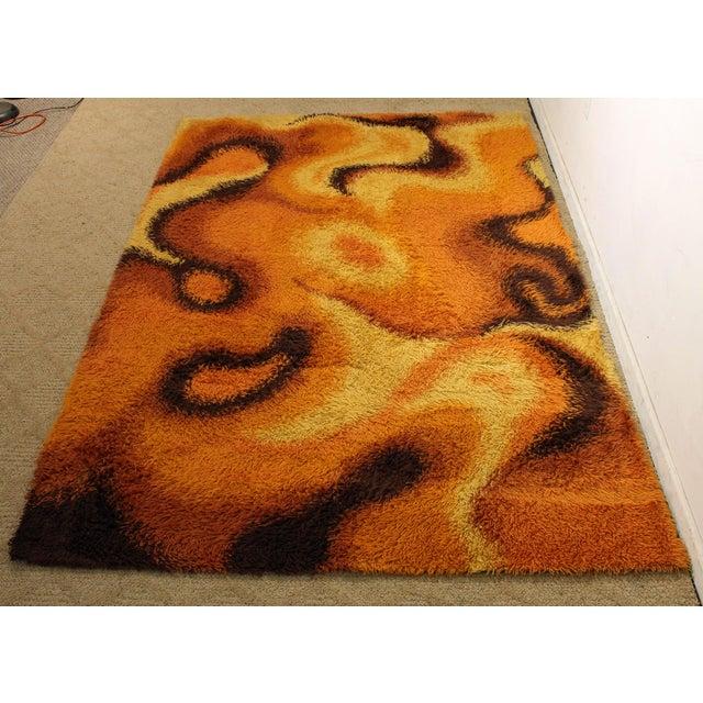 Mid-Century Modern Orange Shag Rug For Sale In Philadelphia - Image 6 of 6