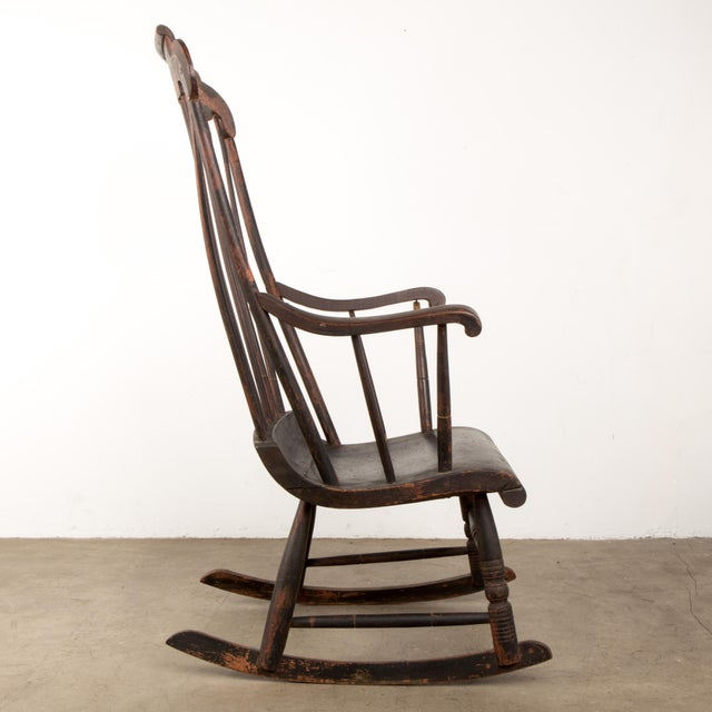 Early 19th Century Windsor Rocking Chair For Sale - Image 4 of 13