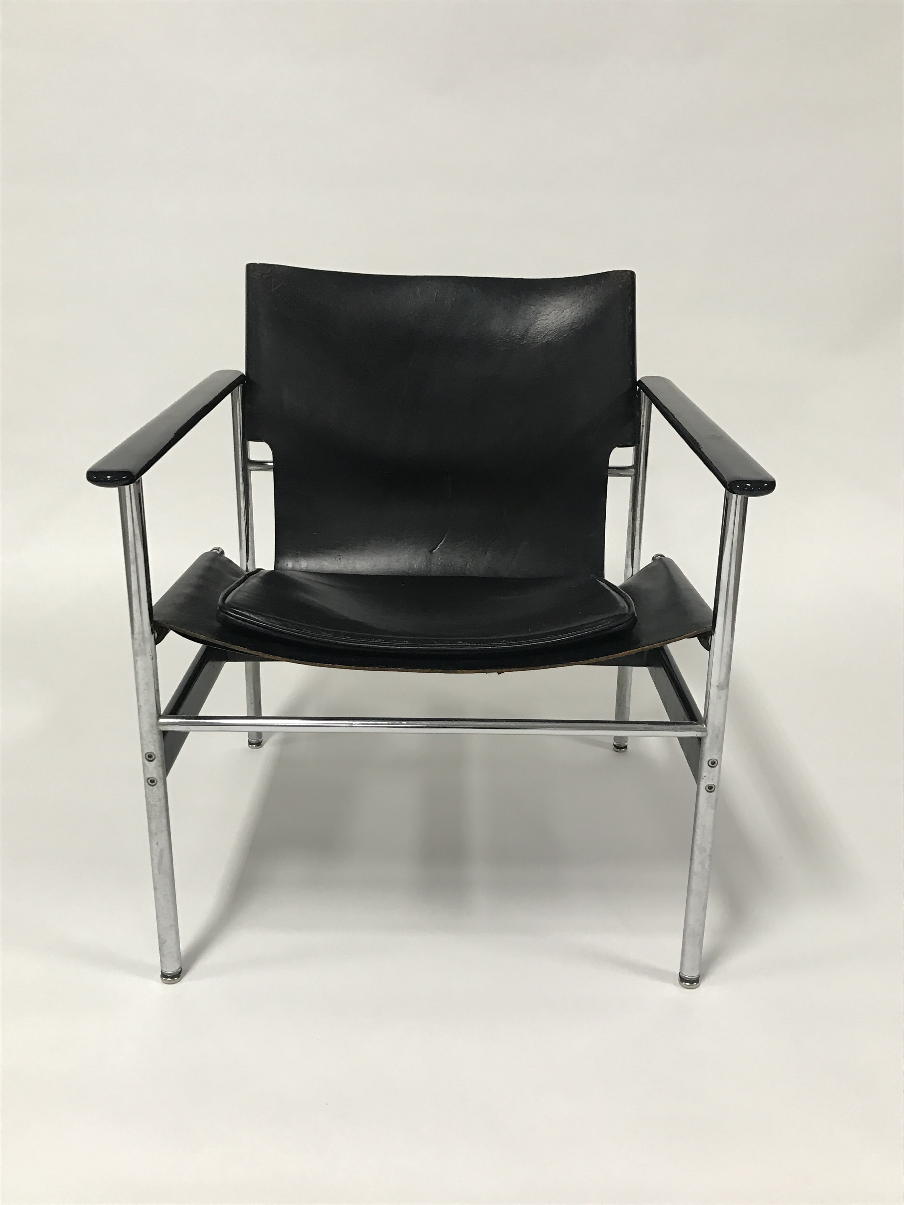 Bauhaus Charles Pollock For Knoll Black Leather Sling Chairs   A Pair For  Sale   Image