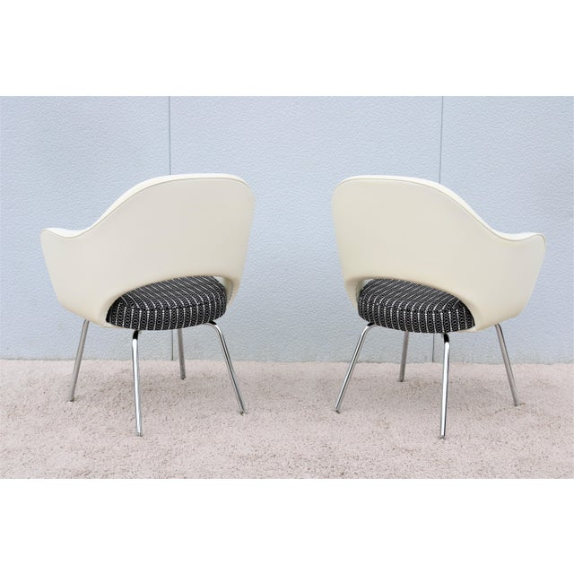 Mid-Century Modern Eero Saarinen for Knoll White Executive Arm Chairs - a Pair For Sale - Image 9 of 13