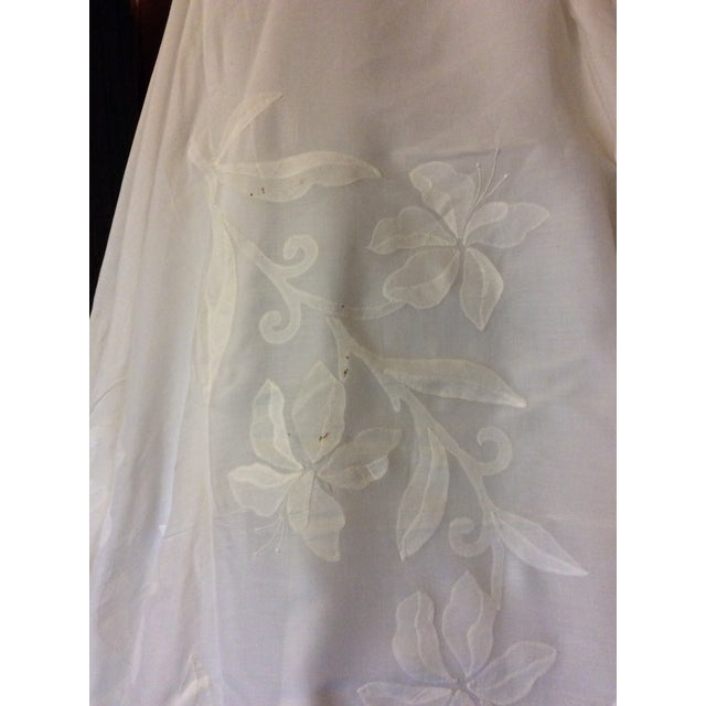 Antique Appliquéd Linen Tablecloth & Napkins - Set of 13 For Sale In Greenville, SC - Image 6 of 13