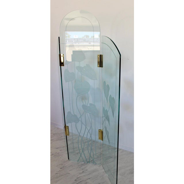 Metal 1960s Mid-Century Modern Etched Glass & Brass 3 Panel Room Divider Screen For Sale - Image 7 of 9
