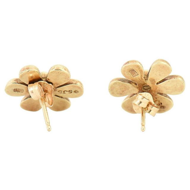 Contemporary 1990s Vintage Diamond & Gold Daisy Flower Earrings- A Pair For Sale - Image 3 of 8