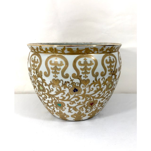 An attractive hand painted gold and white Asian (Chinese) gold fish planter. Ornate gold decoration throughout the body...