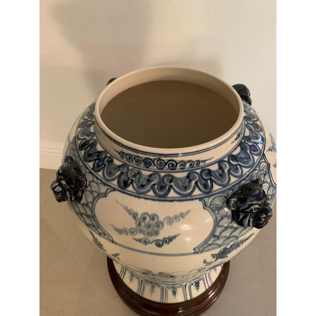 Antique Theodore Alexander Ming Design White Ginger Jar on Wood Base For Sale In Miami - Image 6 of 11