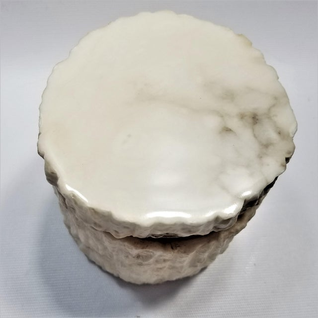 1960s Rare Heavy Vintage Italian Alabaster Marble Jewelry Box - Italy Mid Century Modern Palm Beach Boho Chic For Sale - Image 5 of 13