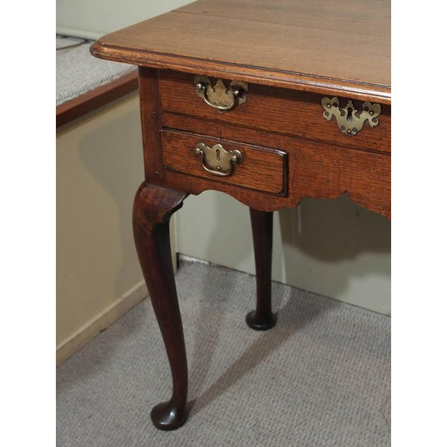 Mid 18th Century 18th Century English George III Three-Drawer Oak Lowboy For Sale - Image 5 of 8