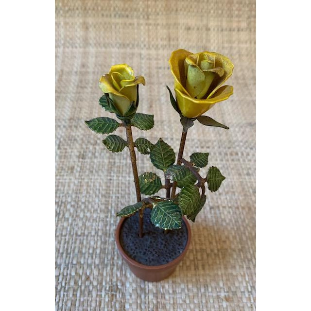 Hollywood Regency Vintage Italian Potted Tole Yellow Roses For Sale - Image 3 of 7