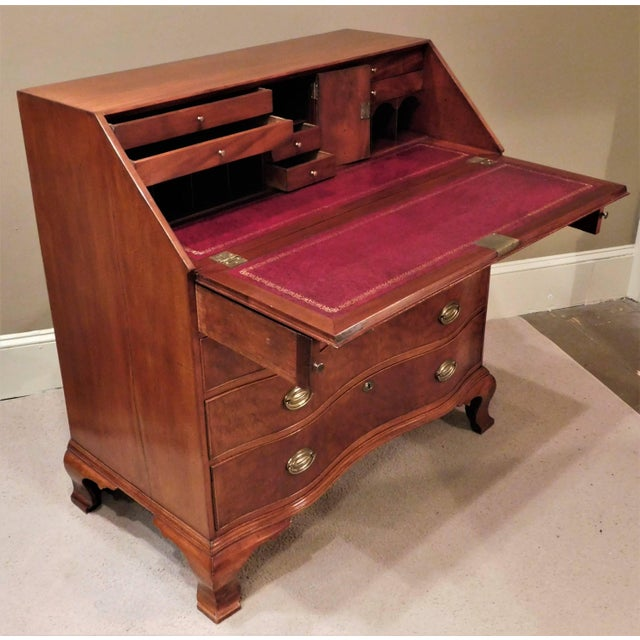 Pollarded Walnut Oxbow Chippendale Fall-Front Desk, Massachusetts, circa 1780 For Sale - Image 10 of 13