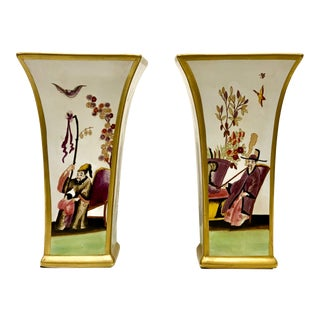 Pair of Porcelain Chelsea House Chinoiserie Vases For Sale