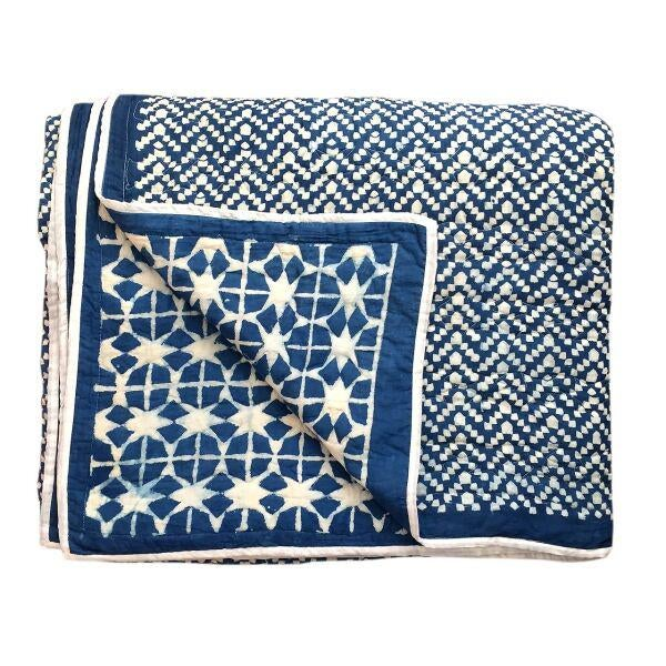 Contemporary King Nila Tara Navy Cotton Quilt For Sale - Image 4 of 4
