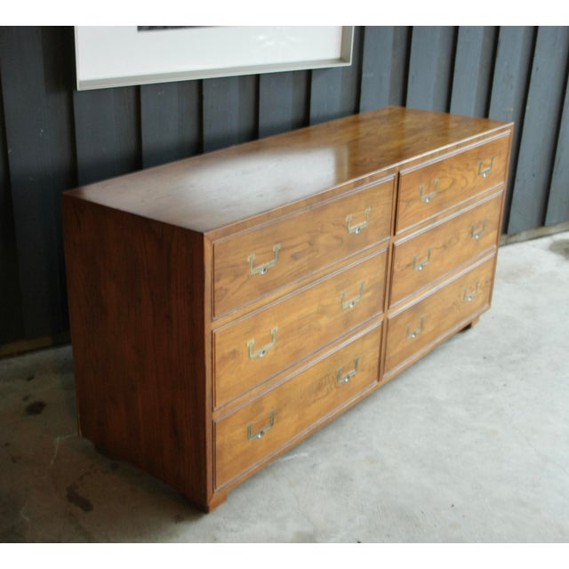 Americana Henredon Artefacts 6-Drawer Campaign-Style Dresser / Credenza / Buffet For Sale - Image 3 of 13