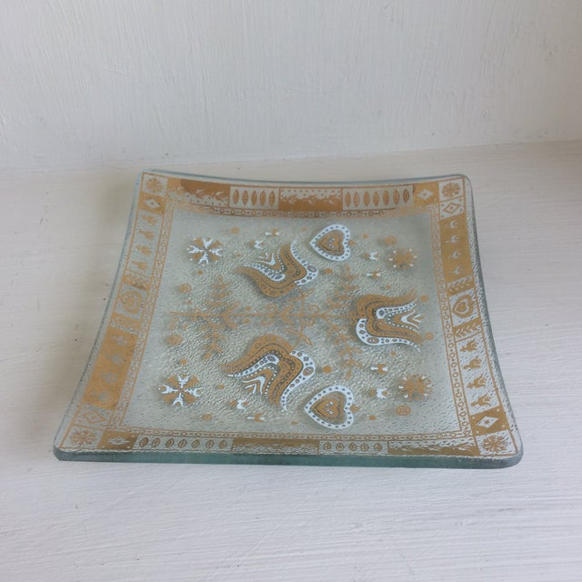 Americana Mid-Century Modern Gold and White Glass Cocktail Dishes by Porter For Sale - Image 3 of 13