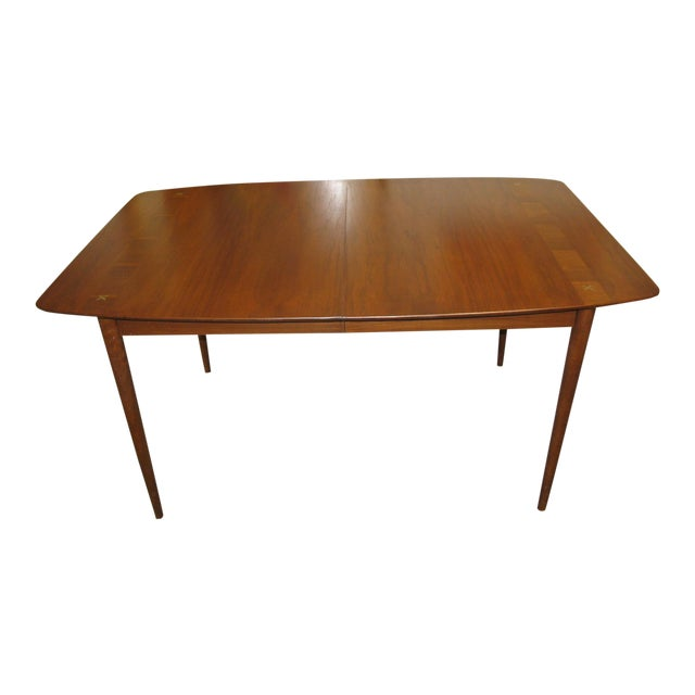 Mid Century American of Martinsville Walnut Dining Table For Sale