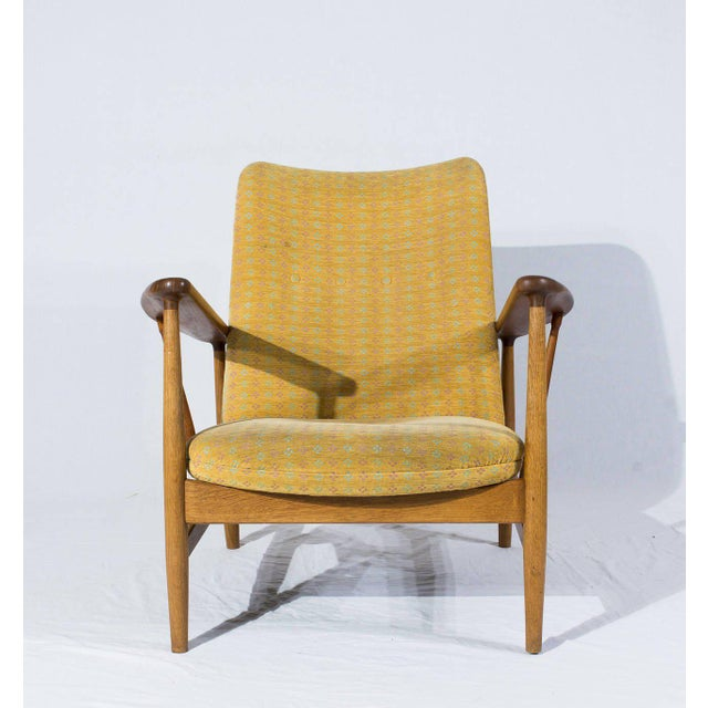 Mid-Century Modern Pair of Finn Juhl SW-86 Lounge Chairs For Sale - Image 3 of 10