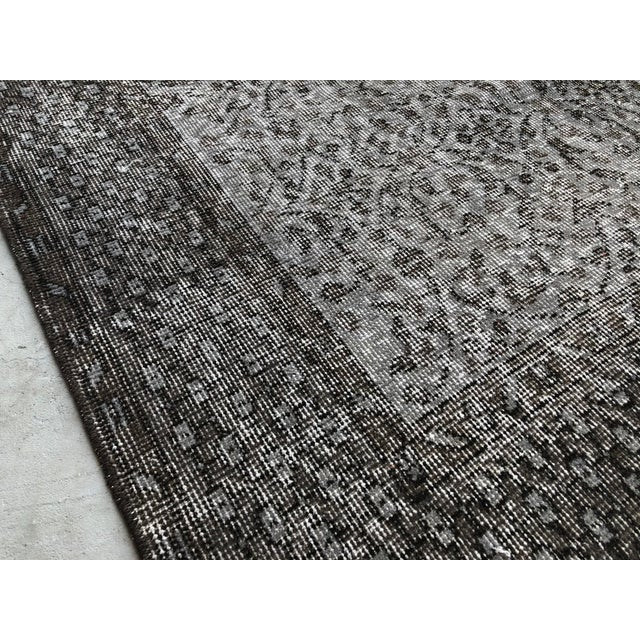 Gray 1960s Vintage Turkish Distressed Gray Carpet - 5′4″ × 9′6″ For Sale - Image 8 of 11