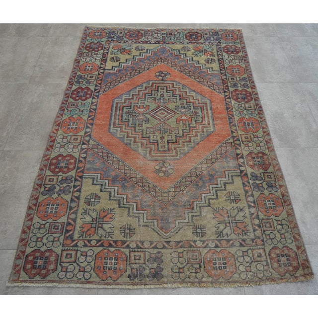 Islamic Faded Muted Colors Impressive Medallion Vintage Ushak Rug Low Pile Distressed Area Rug - 3'5'' X 5'8'' For Sale - Image 3 of 8