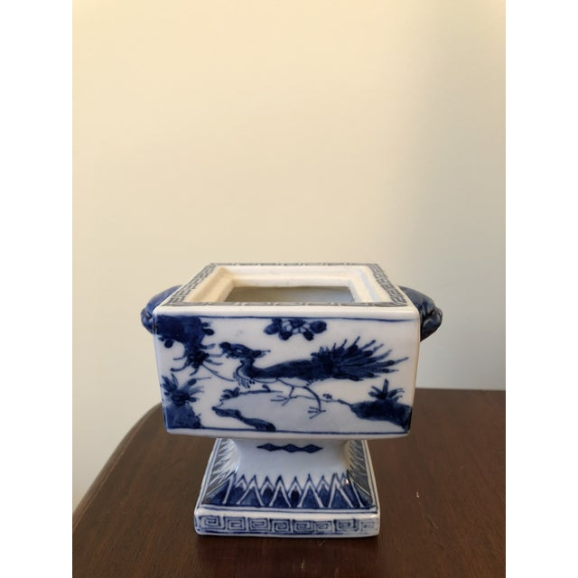 Asian Fine Antique Chinese Blue and White Foo Dog Handles Ginger Jar, Signed 1711-1799 For Sale - Image 3 of 9