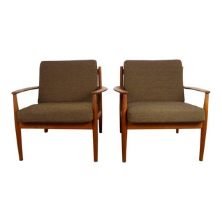 1960s Vintage Grete Jalk for France & Son Danish Modern Lounge Chairs - A Pair For Sale