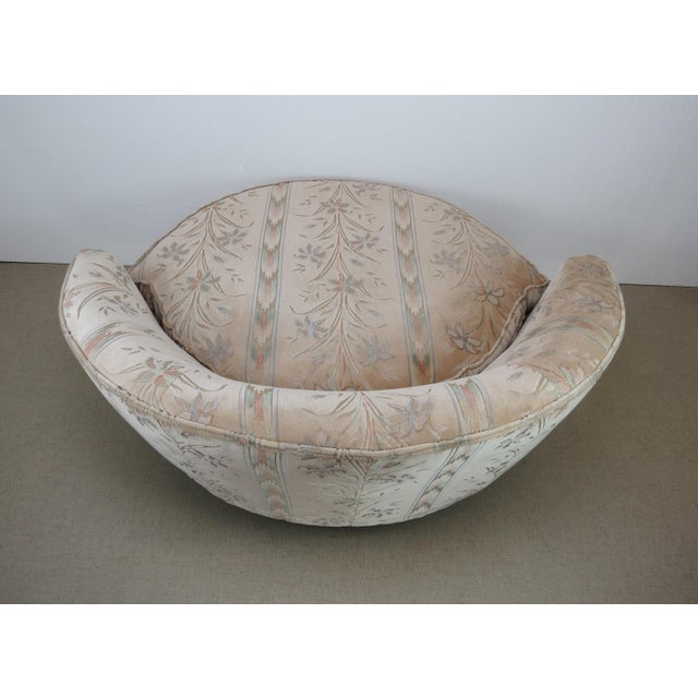 1970s 1970s Milo Baughman Style Large Round Chaise Lounge Chair on Walnut Legs For Sale - Image 5 of 13